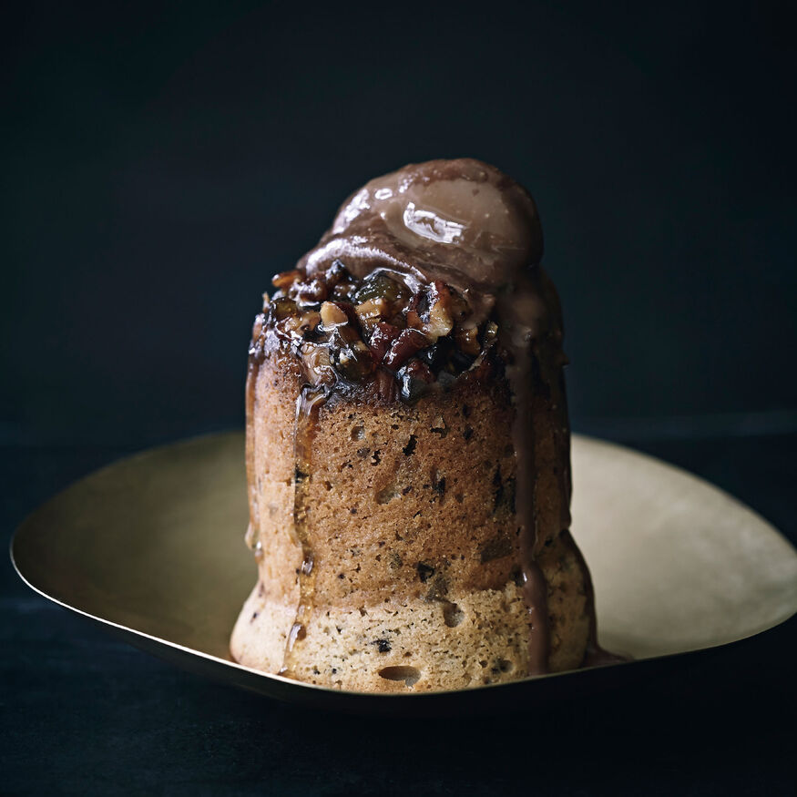 Sticky ginger and chocolate pudding, , hi-res